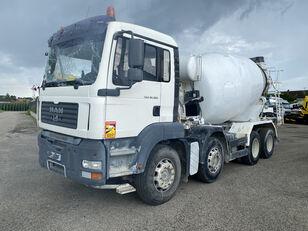 camion malaxeur Baryval AMB-9/10.1 sur châssis MAN TGA 32.360 endommagé