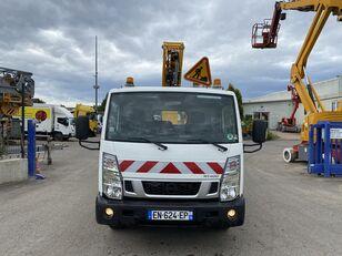 camion nacelle NISSAN CABSTAR 32.13/KLUBB K26 endommagé
