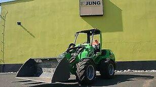 chargeuse sur pneus AVANT 860i (Vorführmaschine)
