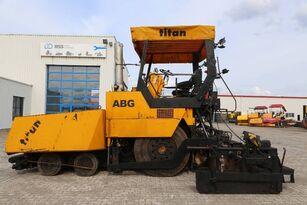 finisseur sur pneus ABG Titan 455