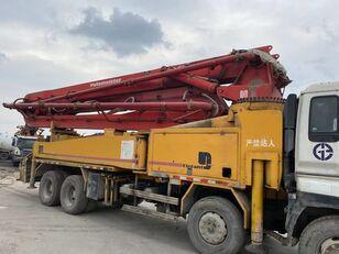 pompe à béton PUTZMEISTER 42m on ISUZU 8*4 truck. 4 booms